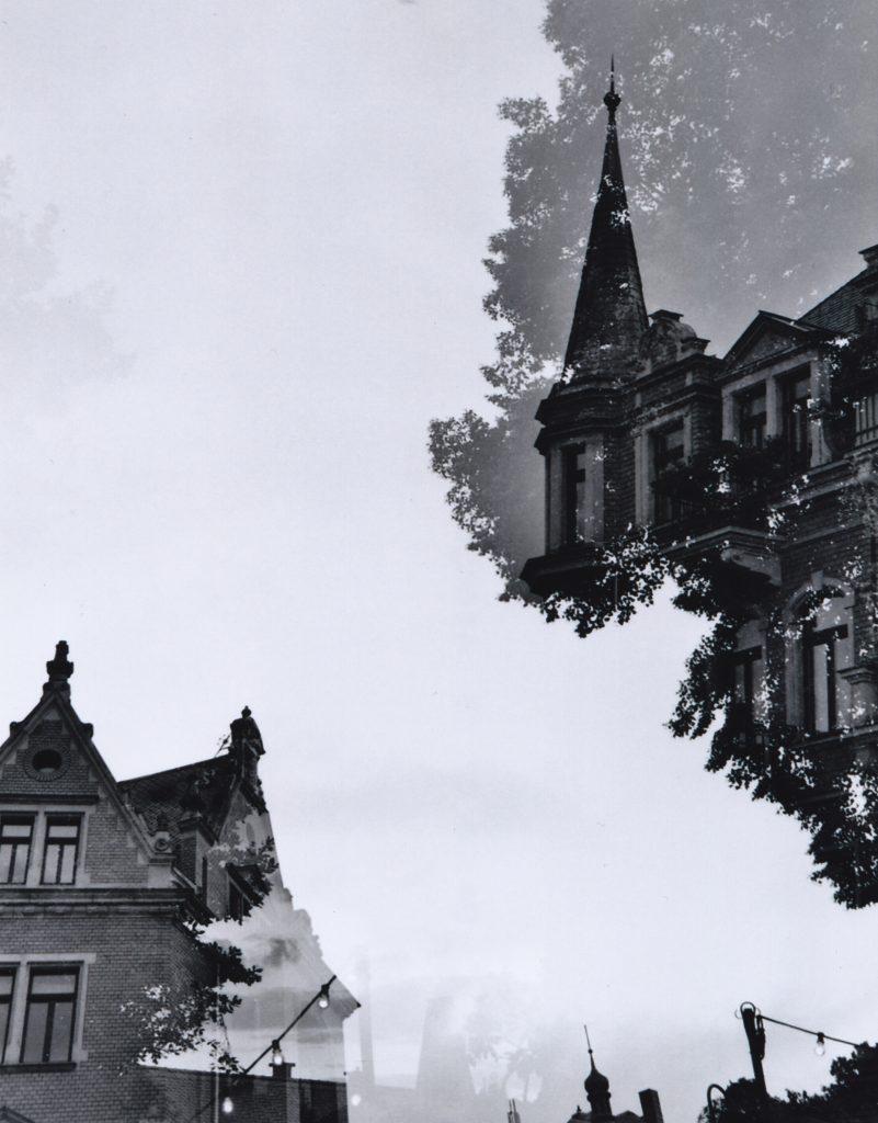 Kleinbildfilm, Schwarz-Weiß, doppelt belichtet, gescannt, unbearbeitet